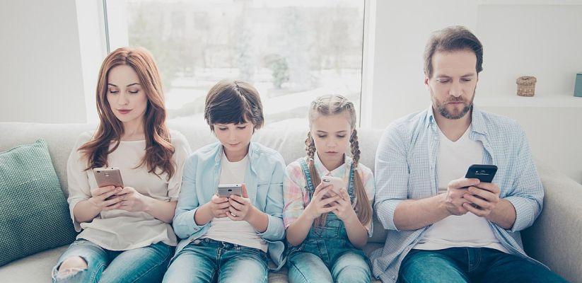 Ազդեցություն երեխաների վրա. Ծնողները սմարթֆոնի մեջ.