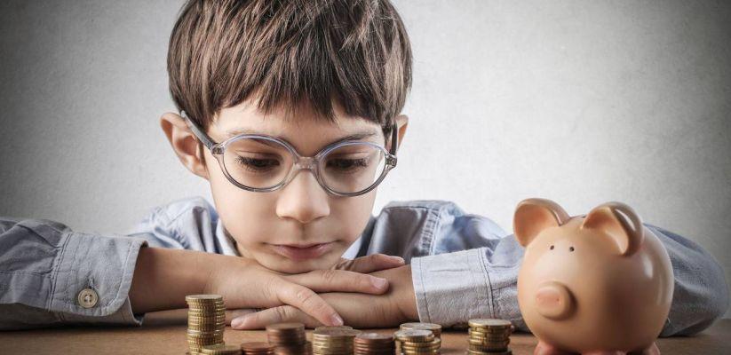 Ինչպե՞ս երեխաներին սովորեցնել ճիշտ վարվել գումարի հետ