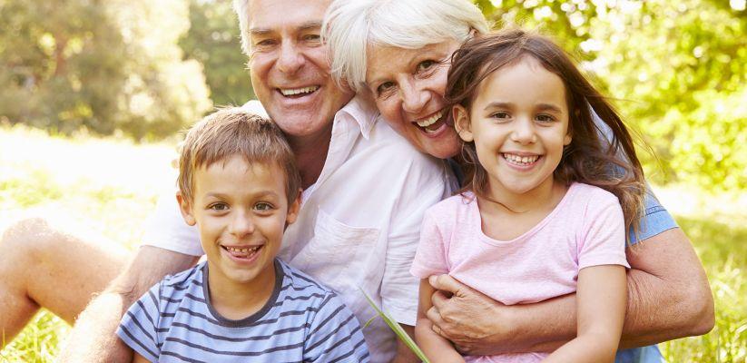 Տատիկի և պապիկի և հուզական կապը երեխայի հետ